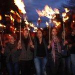 В Ереване проходит факельное шествие памяти жертв геноцида армян http://t.co/XtVkEsUt7L http://t.co/gcpBL80ZOw
