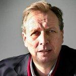 Vanmiddag is thuis in Amsterdam Paroolverslaggever Albert de Lange overleden. Hij werd 57 jaar http://t.co/88SjHmbknn http://t.co/Asw0XAgqio