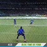 "RT @diarioonline: Goleiro Jean, do Bahia, aparentemente ""treinou"" o frango; assista: http://t.co/czvlE2HOQa http://t.co/oJJvYRFPX0"