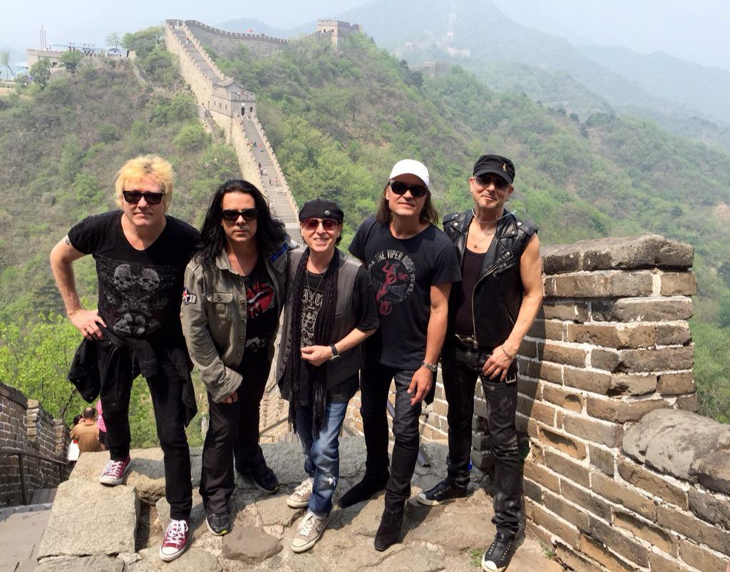 BÄNG BÄNG ROCK WITH THE GANG @scorpions in China http://t.co/20nRkBOeGo
