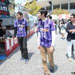 アンガールズのおふたりが、中国放送「元就」の撮影を兼ねて、エディオンスタジアムをスタコラしていただきました♪ スタグル食べ、サポーターとふれあい、トークイベントで盛り上げていただいています☆ #sanfrecce http://t.co/mBSnPNnOg7