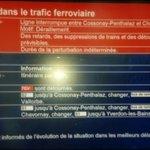 Suisse: Grosses perturbations sur le réseau CFF http://t.co/fAugqeDHNB http://t.co/2y3bMgzdF1