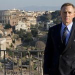 Daniel Craig turned down $5 million — because James Bond wouldn't use a Sony phone: http://t.co/AntlSh73M2 http://t.co/EkynqDePWi