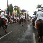 """""""@fakhrifakhru: Pasukan Kavaleri dan Paskibra Kota Bandung pemimpin parade #AAPARADE @Your_Bandung @AACarnival2015 http://t.co/yzONcuRyce"""""""