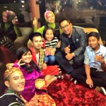 """Selamat malam minggu #Jomblo #BandungJuara """"@ridwankamil: live bersama @RaffiAhmadLagi di The Blusukan di Trans http://t.co/uxx1NVKl33"""""""