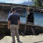 M7.9 - 29km ESE of Lamjung, Nepal Lots of Loss in Nepal, Some New Photos. http://t.co/tdFEpGiZgA