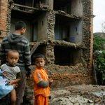 Un terremoto de 7,5 sacude Nepal, derrumba edificios en su capital http://t.co/cm6pCMaOLg http://t.co/4evH4wTpFH