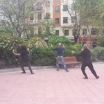 Practicando #taichi de buena mañana en la Plaza de Olavide. A disfrutar de nuestro barrio vecinos! #Madrid #Chamberí http://t.co/A1Cvrh7SnL