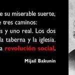 Hoy se cumplen 41 años de la Revolución de los Claveles en Portugal. #25Abril ¡El PUEBLO manda! http://t.co/V2nuTMh7lv