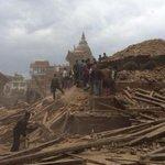 Il centro monumentale di #Kathmanduquake devastato il sisma #earthquake #Nepal http://t.co/FtGKD1PI9b
