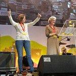 Vivas a Terra Lliure desde el escenario en el acto de la ANC, Òmnium y la AMI en el Sant Jordi http://t.co/dnxUuuvQUE http://t.co/7HD9eV0bey