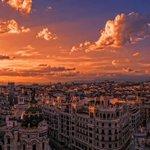 Damos los buenos días al sábado con esta inspiradora imagen de nuestro querido Madrid ;)(Foto de @EricFrattini) http://t.co/HCcSKGIte9