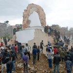 Séisme de 7.9 au Népal: la tour historique de Dharhara s'est effondrée à Katmandou (photo @AFP) http://t.co/oUVbr1KfNL