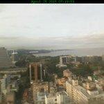 Sábado com sol, nuvens e cinzas vulcânicas em grande altitude sobre Porto Alegre. Boletim: http://t.co/zqR14Pwckt http://t.co/lCi9X4q22B