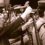 #TalDiaComoHoy de 1974 tenía lugar en Portugal la revolución de los claveles http://t.co/CFVGdLJMuM http://t.co/Acy7wKBfHT