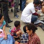 LOULTIMO:Autoridades reportan al menos 597 muertos y avalanchas en el Monte Everest por #terremoto de 7.9 en #Nepal http://t.co/nfU3lgfbVj