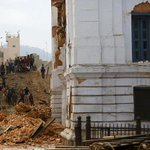 Las víctimas mortales por el terremoto en #Nepal podrían subir a 449 según la policía http://t.co/yxDAHsmQRV http://t.co/LKda5meOs5