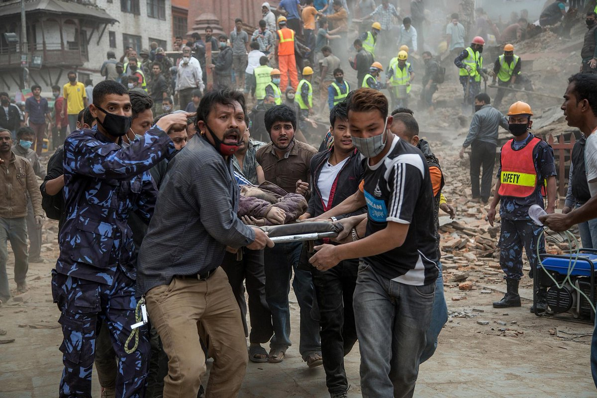 Nepal After the Earthquake - 27 photos, immediate aftermath of the devastating 7.8 quake: http://t.co/pbM9UKxppw http://t.co/XiZbLgOiUc