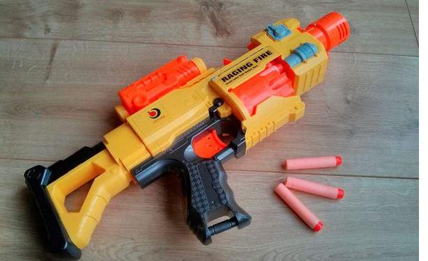 4 year-old boy frisked and has Nerf gun confiscated at airport http:/