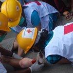 Muchos prometerán ayudas. Otros no. Ánimo a las voluntarias y voluntarios de Cruz Roja en #Nepal http://t.co/uhwULzeX8L