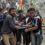 #LoÚltimo: Sube a 777 la cifra de muertos por el terremoto de magnitud 7,8 en #Nepal http://t.co/zuyLkOSm23 http://t.co/mZL7ZuFcRV