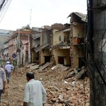 Death toll in Nepal quake reaches 876, with 524 from the Kathmandu Valley http://t.co/Ani6FxwTC4 http://t.co/jnskaoHvFe