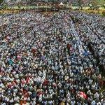 """Keren kang""""@ridwankamil: #haturnuhun untuk wraga2 BDG saat pemecahan rekor dunia 20 ribu angklung. by@adtyatriyoga http://t.co/txbcq450Eu"""""""