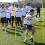 Lihatlah beberapa foto saat pemain #mufc sedang berlatih untuk persiapan melawan Everton: http://t.co/GOCp1OOJbX http://t.co/0KTw6kIJ6P