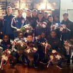 Bloemen voor onze #AjaxB2. Na spannende 3-2-zege kampioen van de B-poule bij de B-junioren. Gefeliciteerd mannen!