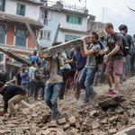 Nepal earthquake leaves at least 800 dead, triggers avalanches on Mount Everest http://t.co/XJaDDKSWBQ http://t.co/NM6qv9C0aO