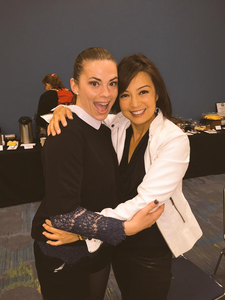 Hey, #AgentMay & #AgentCarter is in Chicago!! Gr8 start 2 this Sat hanging w/ kickass beauty @HayleyAtwell!