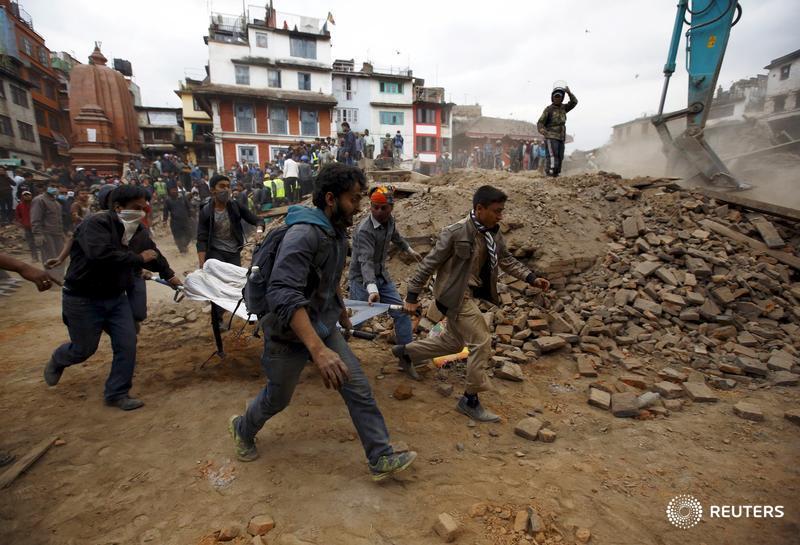 #Nepal #quake death toll reaches 1,130 - police spokesman http://t.co/4OytW6fJWU #NepalEarthquake #earthquake http://t.co/0KPvfnzUYN