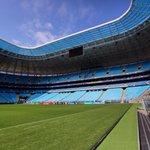 Céu azul sobre a Arena do Grêmio, palco do primeiro #Grenal decisivo amanhã. Foto cortesia de @Ducker_Gremio. http://t.co/R0d2QRkA3t