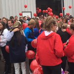 A few hundred have gathered in #Noblesville to remember #HannahWilson. 400 balloons will be released. @indystar http://t.co/DT4IeVhtI9