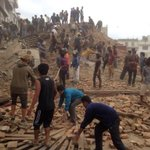 More than 1,000 people killed in Nepal earthquake. http://t.co/HuLzMeQS57 http://t.co/UM7UZtcDIj