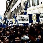Vedere la Brigata Ebraica al centro del corteo mi ha emozionato. @bellaciaomilano @LiaQuartapelle @emanuelefiano http://t.co/Y7lk2noLHI
