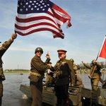 70 лет назад в Германии состоялась легендарная встреча армий СССР и США на Эльбе. Победа уже была совсем близко. http://t.co/COho1NTdXB
