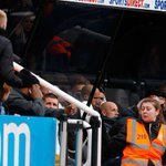 @TrueGeordieNUFC carver abusing fan at todays game http://t.co/e0J08j40Xz