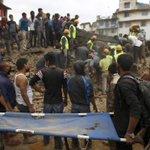 Группа российских альпинистов нашлась в пострадавшем от землетрясения Непале http://t.co/btDVIfDtGr http://t.co/lsJtmnpttN