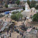 (ACTUALIZADO) Terremoto en #Nepal deja más de 1400 muertos | FOTOS Y VIDEO http://t.co/0aeus00B8d #TerremotoNepal http://t.co/YlawFUqnYd