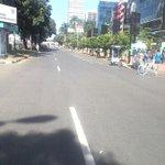 RT@CFDinfo: Panas terik di area #CFDjakarta Jl Pintu Satu Senayan http://t.co/zcZ9ZuQNAB  #PoldaMetro