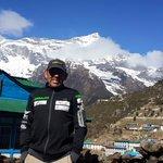El montañista #RichardHidalgo se encuentra a salvo, de acuerdo con la organización @Peru8mil. #Nepal http://t.co/odTr9XqfBO