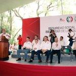 Con nuestro candidato @RLoyolaVera en la Reunión de sindicatos IMSS-ISSSTE y CNOP http://t.co/DD30gx7oX2