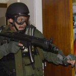 El hombre que intentó evitar que #Elián González regresara a Cuba http://t.co/Hpqrk8T8uP http://t.co/HtK2EPezCN