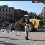 صور لحملة اخلاء ميدان رمسيس من الباعة الجائلين وازالة الاشغالات بالطريق via @Ya5abar #Bey2ollak http://t.co/whj7BoQkMs