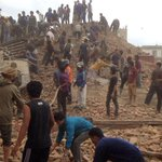 """Expert says aftershocks of magnitude up to 6.8 could continue in #Nepal """"for many weeks"""" http://t.co/TDMr44iRo0 http://t.co/kjE6YfQdrm"""