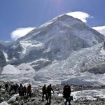 #NepalQuake: Choppers reach Mount Everest base camp to rescue avalanche victims http://t.co/LoiOTE30J9 http://t.co/FV8Fdlc38x