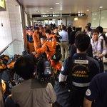 派遣が決定されたネパールへの国際緊急援助隊(JDR)救助チーム。救急救助要員、通信隊員、救助犬ハンドラー、医療関係者、建築の構造評価専門家らが、全国から成田空港に集まってきています。 http://t.co/L5MecohsYq