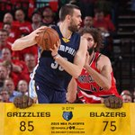 #Grizz up 85-75 heading into the 4th. @MarcGasol has 15 pts. http://t.co/QupiUR9Zhf