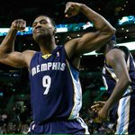 GRIZZLIES WIN! A COMMANDING 3-0 LEAD! ALL HEART. ALL GRIT. ALL GRIND. http://t.co/OiOgd4u7sG